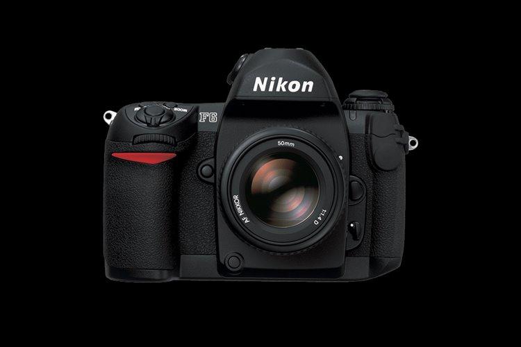 دوربین نیکون F6